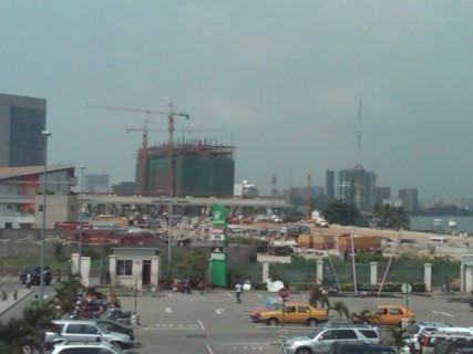 New_toll_gate_and_roads_in_Lagos