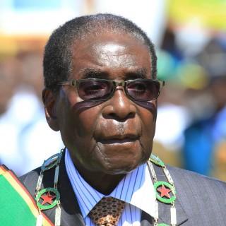 Zimbabwe: Mugabe remains in military custody amid political turmoil, arrests