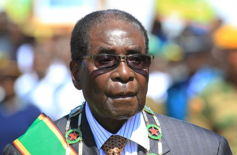 Zimbabwe: Mugabe remains in military custody amid political turmoil, arrests