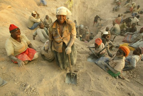"""FILE -- In this Wednesday, Nov. 1, 2006 file photo  miners dig for diamonds in Marange, eastern Zimbabwe.  At least $2 billion worth of diamonds have been stolen from Zimbabwe's eastern diamond fields and have enriched President Robert Mugabe's ruling circle, international gem dealers and criminals, according to an organization leading the campaign against conflict diamonds. Zimbabwe's Marange fields have seen """"the biggest plunder of diamonds since Cecil Rhodes,"""" the colonial magnate who exploited South Africa's Kimberley diamonds a century ago, charged Partnership Africa Canada, a member of the Kimberley Process, the world regulatory body on the diamond trade.  (AP Photo/Tsvangirayi Mukwazhi-File)"""