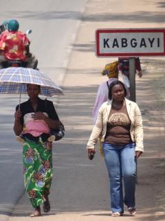 Street_Scene_near_Kabgayi_Cathedral_-_Outside_Muhanga-Gitarama_-_Rwanda