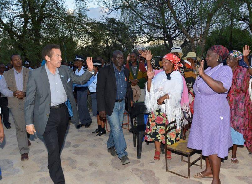 Khama kicks off Botswana farewell tour as he prepares to step down