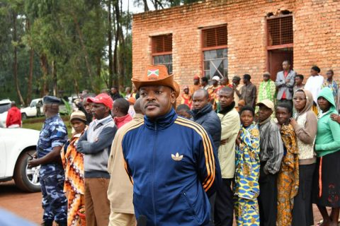 Burundi: Early tallies show landslide support for Nkurunziza referendum