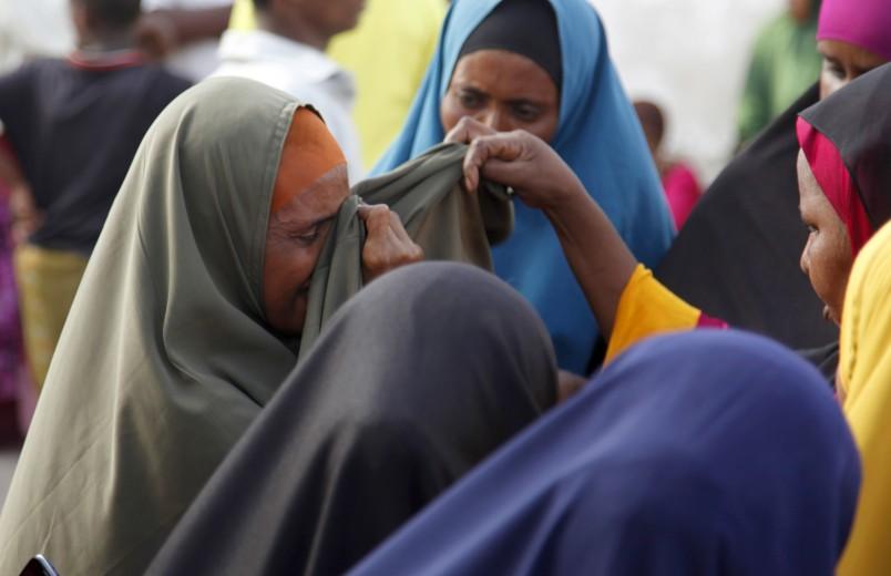 Kenya defends Dadaab plan; Buhari accused of plagiarizing Obama speech; Hinjan ship update