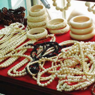China makes good on a promise, plans to ban ivory trade by end of 2017