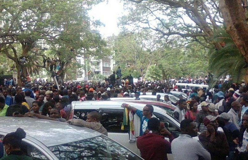 Zimbabwe: Zanu PF demands Mugabe resignation by Monday