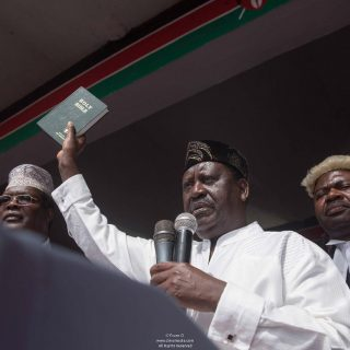 Kenya: Media closure, MP arrest and tear gas follow 'subversive' Odinga swearing-in