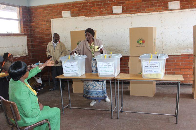 Poll shows Zanu PF with slight edge as Zimbabwe elections loom