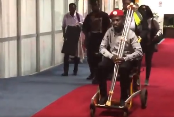 Bobi Wine freed, leaves Uganda for medical care