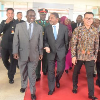 Zanzibar leader talks seaweed during Indonesia visit