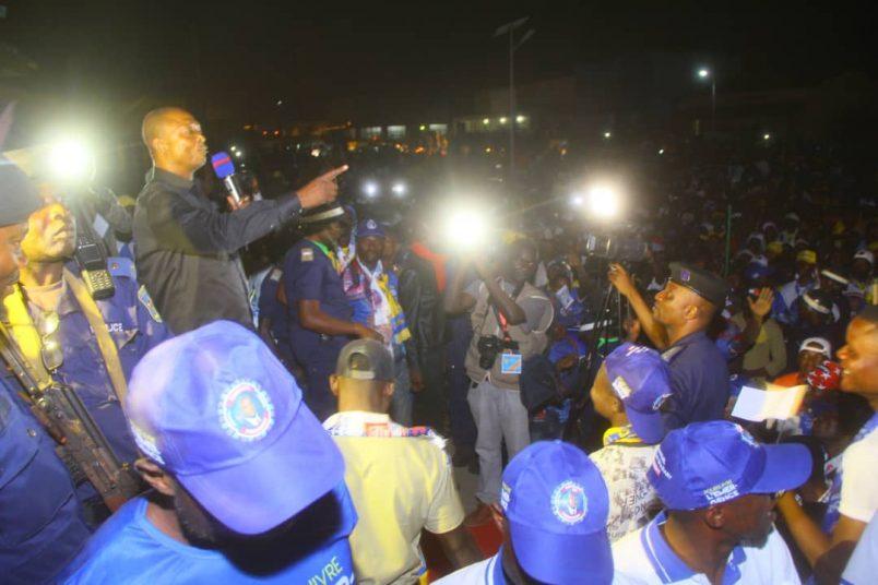 Kinshasa fire, political violence spark election fears for DR Congo