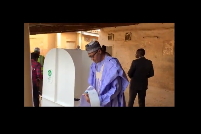 Tense Nigeria awaits election results