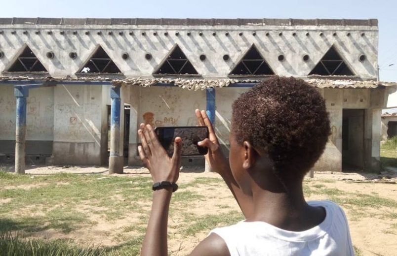 Maputo youth aim to make the city safer with photography