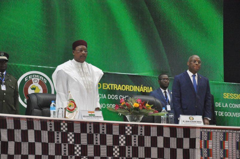 Vaz reinstates PM amid concerns over a Guinea Bissau coup