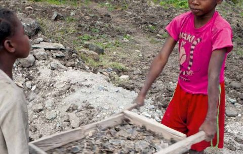 Report: Madagascar's mica mines rely on child labor