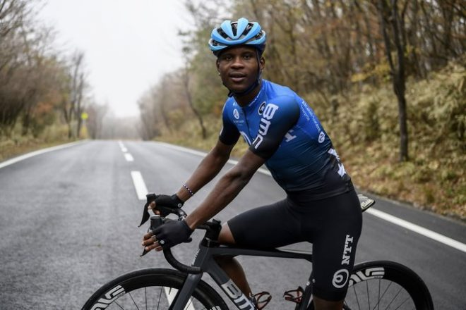 SA wants answers after cyclist Nic Dlamini breaks arm during Table Mountain arrest