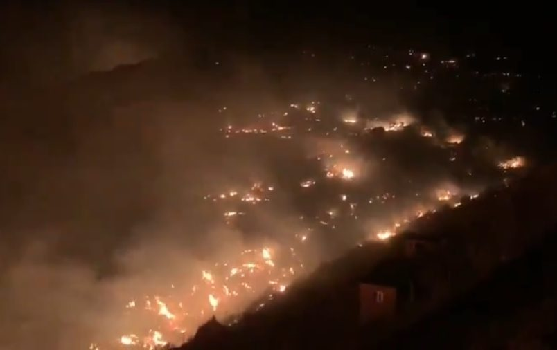 Calima winds fuel fires, drive Saharan dust across Canary Islands