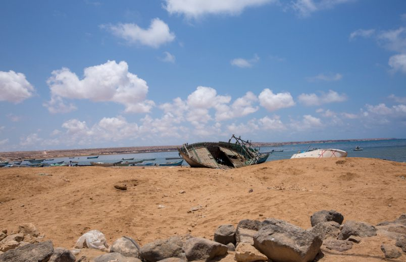 Dozens of migrants thrown into sea off Djibouti coast