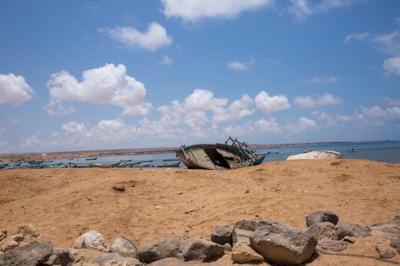 Dozens of migrants thrown into sea off Djibouti coast