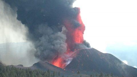 New evacuations on La Palma as volcano eruption continues